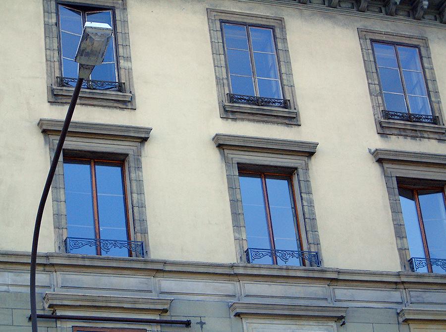 rue-du-rhone-003